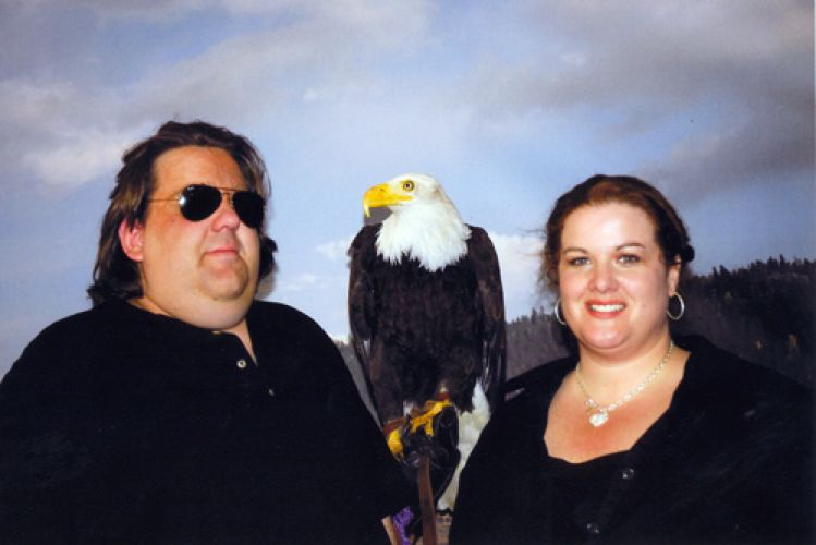 Joey-and-Jennifer-with-Bald-Eagle-at-Gathering-of-Nations-2008