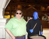 Joey-with-Blue-Man-Group-at-Venetian-in-Las-Vegas-2008